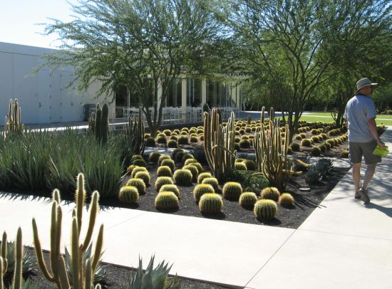 Sunnylands gardens and visitors center