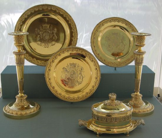 Galleries display silver-gilt dinnerware from the Annenbergs' collection