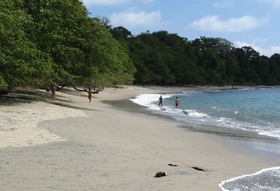 Warm waters throughout the winter -- Manuel Antonio beach