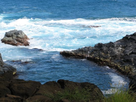 Walk past other pools along the shore trail to Queen's Bath